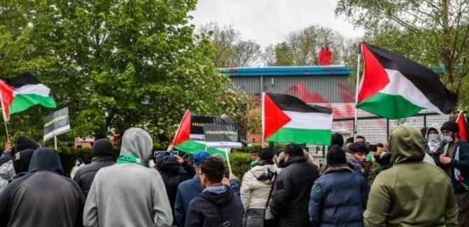 Filistin yanlısı eylemciler İsrail'in silah fabrikasını bastı