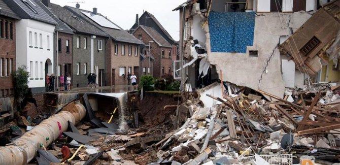 Almanya'da sel bilançosu: 133 ölü, yüzlerce kayıp