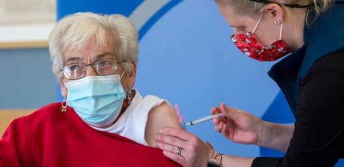 Dünya genelinde 3,7 milyar dozdan fazla aşı yapıldı