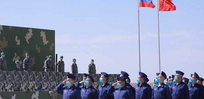 Rusya ve Çin'den 10 bin kişilik tatbikat