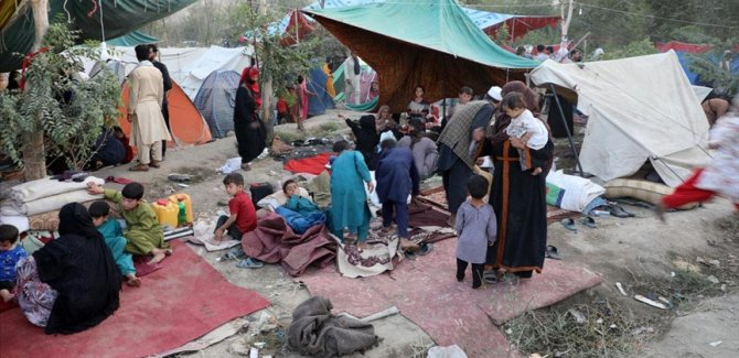 Afganistan'da yaşanan savaş halkı göçe zorluyor