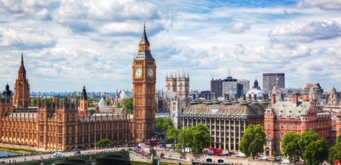 İngiltere 20 bin Afgan göçmen alacak