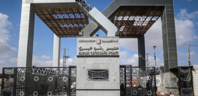 Mısır Refah Sınır Kapısını çift yönlü kapatacak