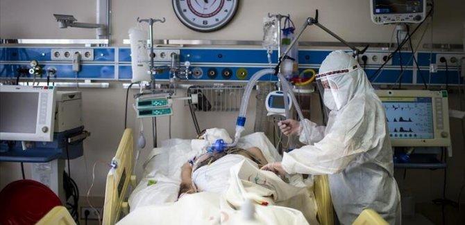 Türkiye'de koronavirüs nedeniyle 243 kişi hayatını kaybetti