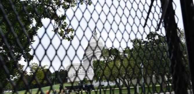 ABD'de Kongre binası demir çitle çevrildi