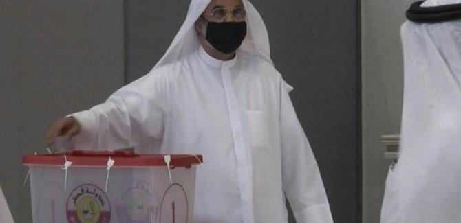 Katar'da ilk kez milletvekili seçimleri yapılıyor