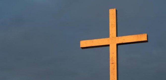 Fransa'daki kiliselerde 216 bin çocuğa cinsel istismar