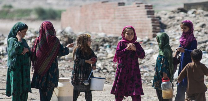 'Afganistan'da 1 milyon çocuk ölebilir'