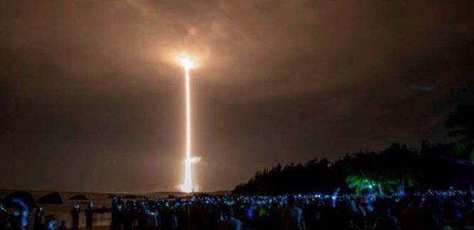 Çin, Dünya'nın etrafında turlayan nükleer kapasiteli hipersonik füzesi denedi