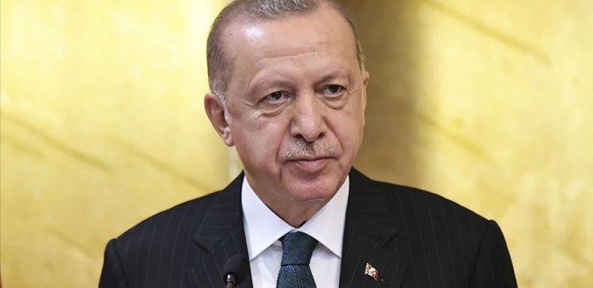 Erdoğan: Medya ve iletişim konusunda da kendi göbeğimizi kendimiz kesmeliyiz