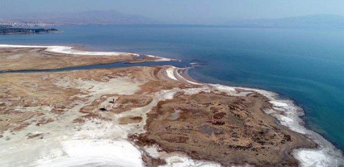 Kuraklık, Van Gölü'nün 10 kilometresini yuttu