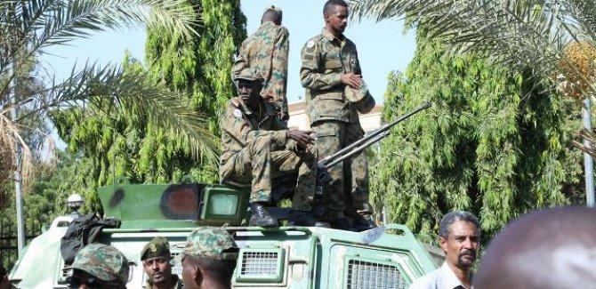 Sudan'da darbe girişimi sonrası halka sokağa inme çağrısı