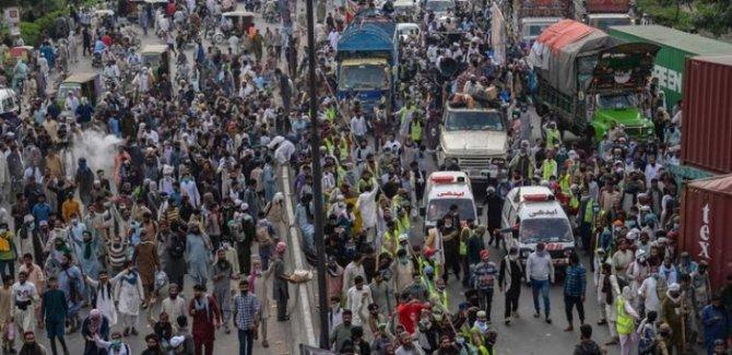 Pakistan'da Fransa Karşıtı Gösteriler