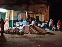 Saldırılardan kaçan Müslümanlar camiye sığındı