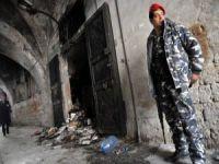 Lübnan'da tarihi bir kütüphane yakıldı