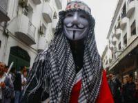 Arap Baharı neden Tunus ve Mısır'da farklı yaşanıyor?