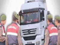 Adana'da silah ihbarıyla 3 TIR'da arama yapılıyor