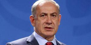Netanyahu, Hamas'ın yeni siyaset belgesini yırttı