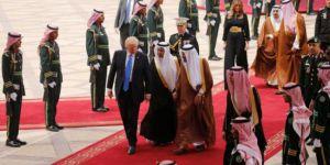 Trump'tan ilk ziyaret Suudi Arabistan: Kral Selman kapıda karşıladı