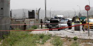 Faşit Yahudi yerleşimciler Filistinlilerin köyüne saldırdı