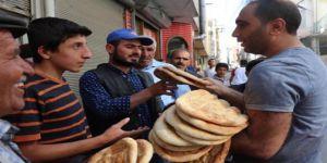 BATMAN - Yoksul ailelere ekmek bedava