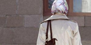 Güney Afrika'daki ırkçı başörtüsü uygulaması kaldırıldı