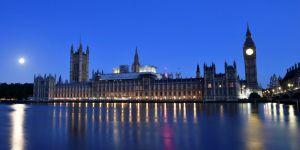 İngiltere'de sandıktan koalisyon hükümeti çıktı