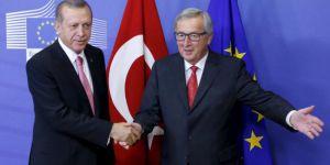 Juncker: Erdoğan'ın önünde diz çökmeyiz