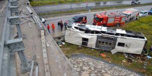Çorum'da yolcu otobüsü üst geçitten düştü: 48 yaralı