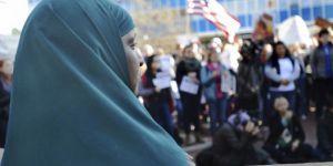 İran: Trump'ın yasağı terörizmi körükler