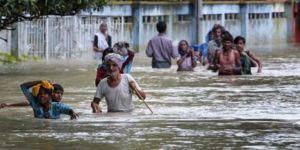 Muson yağmurları Hindistan'da 80 can aldı