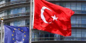 'AB, vizesiz seyahat görüşmelerini durdurdu' iddiası