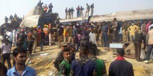 Hindistan'da tren kazası 10 kişi öldü 65 kişi yaralandı