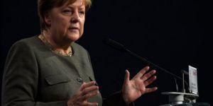 Merkel:Türkiye'yle ilişkileri tekrar gözden geçireceğiz