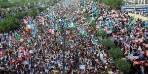 Pakistan'da Arakan İçin Dev Gösteri