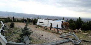 İran'da otobüs devrildi: 11 ölü