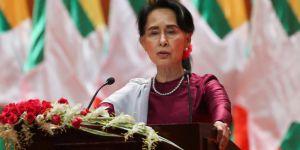 Aung San Suu Kyi Yeni Hamle