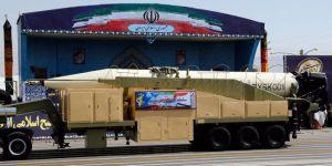İran, 2000 km menzilli yeni balistik füzesini tanıttı