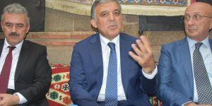Gül: Sanki bizim Kürt nüfusumuz yokmuş gibi sorumsuz manşetler görüyorum
