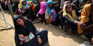 Binlerce Arakanlı Müslüman 'tarafsız bölgede' bekliyor
