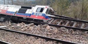 Kongo'da tren, raydan çıkıp uçuruma yuvarlandı: 30'dan fazla ölü
