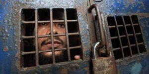 """""""Filistinli tutukluları ziyaret yasağı"""""""