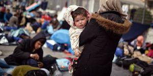 İspanya'da yüzlerce göçmen, 'yer yok' denilerek cezaevine gönderildi