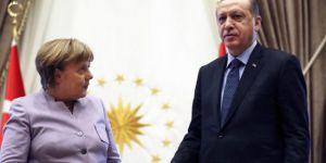 Der Spiegel:Erdoğan Merkel'e takas teklif etti