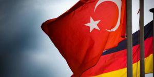 Almanya'ya iltica başvurusu yapan Türk görevlilerin sayısı açıklandı