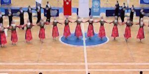 Halk Oyunları yarışması için Macaristan'a giden 11 kişi iltica etti