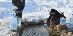 Dondurucu soğukta su çilesi