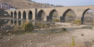 Kuraklık Dicle Nehri'ni kuruttu
