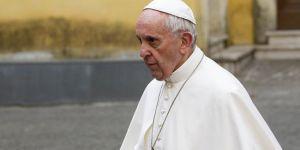 Papa Francis: Mültecilere kucak açın