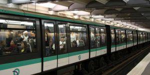 Fransa'da kadınlar toplu taşımada güvende hissetmiyor